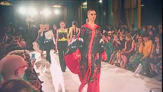#بي_بي_سي_ترندينغ: أزياء عربية في أسبوع لندن للموضة