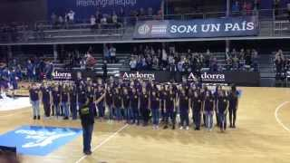 Himne d'Andorra - Cor de Rock d'Encamp (Escola Andorrana)(El Cor de Rock de l'Escola Andorrana de Segona Ensenyança d'Encamp va ser l'encarregat de cantar l'Himne nacional d'Andorra a l'inici del primer partit de la ..., 2015-10-11T21:56:35.000Z)