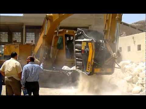 Live Demo Of The Crusher Bucket In Egypt - Www.mbcrusher.com