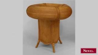 Antique Italian 1950s round rattan pedestal base café table