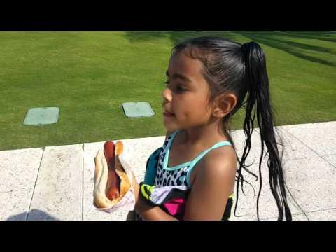 Selfless little girl's feeding the homeless