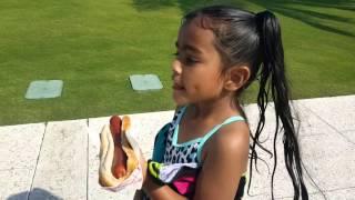 selfless little girls feeding the homeless