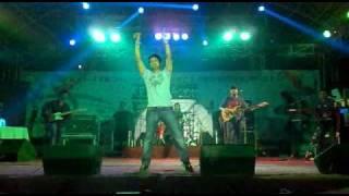 Video KK live in BESU ...... REBECA  2011 download MP3, 3GP, MP4, WEBM, AVI, FLV Mei 2018