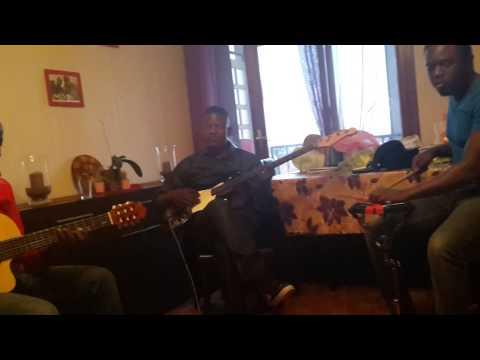 BOLINGO ESILI de Thomas LOKOFE chanté par frère Thedy à la répétition