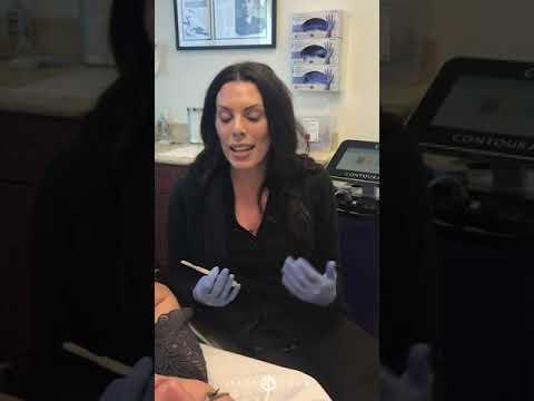 dermaplaning-exfoliating-facial-treatment-|-live