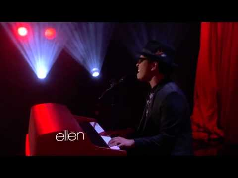 Bruno Mars- When I Was Your Man Live Best Version Ever!!