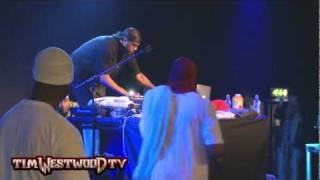 DJ Mathematics scratchin' in handcuffs! - Westwood
