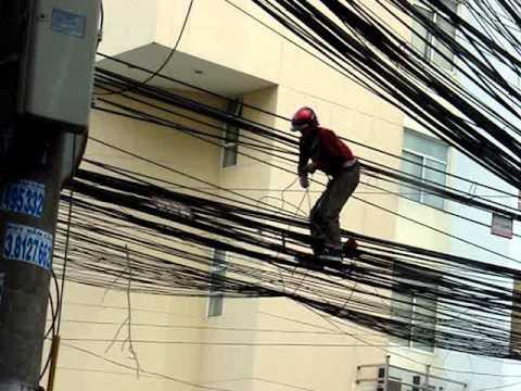 Lost in Wires - Electric repair in Vietnam 2