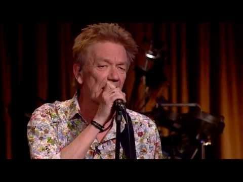 Lars Lilholt synger 'Prototypical Hjem til Silkeborg' – Toppen af poppen