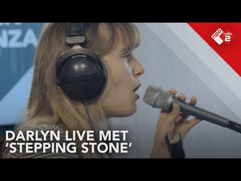 Darlyn - 'Stepping Stone' Live @ Stenders Platenbonanza | NPO Radio 2