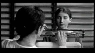 Alice ou la vie en noir et blanc de Sophie Schoukens  (Vidéo Femmes)