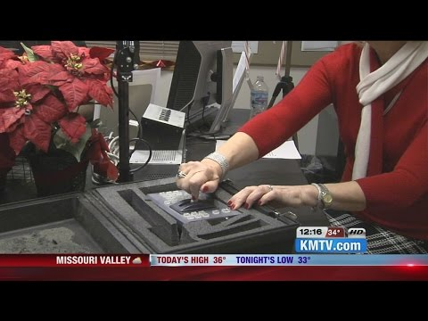 Omaha Mayor turns switch for holiday music on Star 104.5