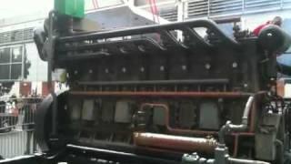 Lancement moteur DUVANT 9VOS à Rétromobile le 5 février 2012