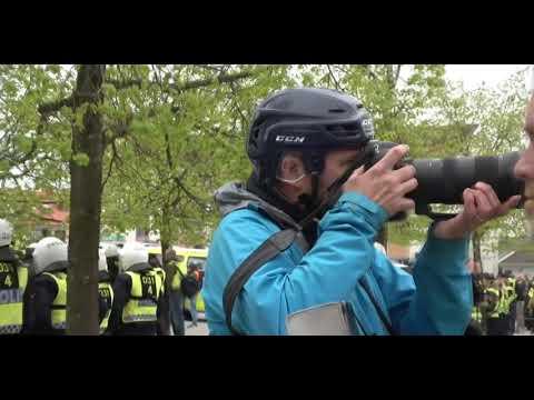 Antifa attackerar hästar 1 maj Kungälv (Uppdaterad)