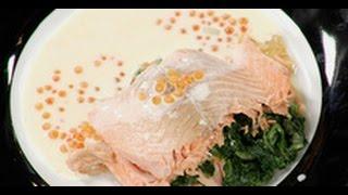 Форель, фаршированная шпинатом с соусом / рецепт от шеф-повара /  Илья Лазерсон / Обед безбрачия