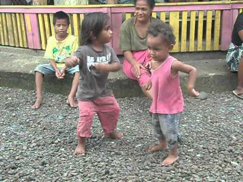 Falealupo & Sauleola To The Dance Floor