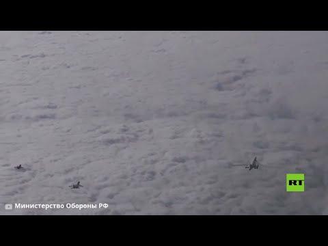 تحليق قاذفتين تو-160 الاستراتيجيتين فوق بحر البلطيق ومقاتلات سو ترافقهم