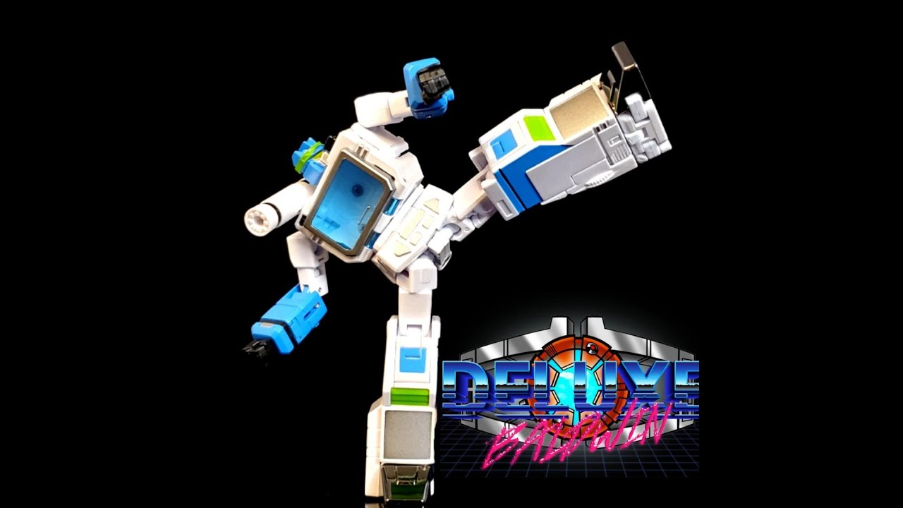 NewAge Toys Legends Karate Kid Larusso (Shattered Glass Soundwave) Review by Deluxe Baldwin