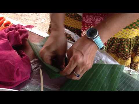 แนะนำวิธีทำกระทงใบตองใส่ขนม แบบคุณก็ทำเองได้ที่บ้าน: How to make banana leaf
