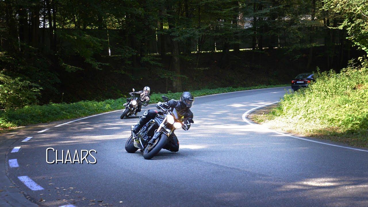 Triumph Speed Triple chasing 2 people on Suzuki SV650   Hand drag   [FullHD]