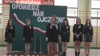 GOŁDAP. Piosenka w wykonaniu uczennicy gimnazjum na apelu z okazji Święta Niepodległości