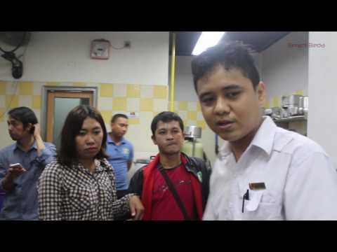 Ayam Paket Kombo Five KFC Bontang Ditemukan Ulat ?