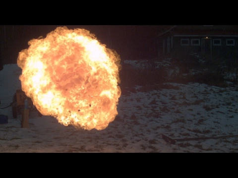 Shooting liquorice and fire with air cannon