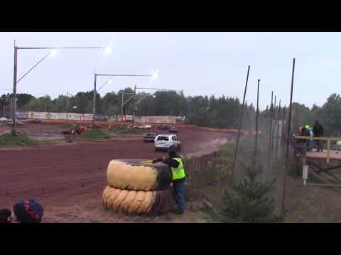 Tomahawk Speedway Eve of Wreckin Sh!t 30 Lap Soap (mud) race part 1 2018