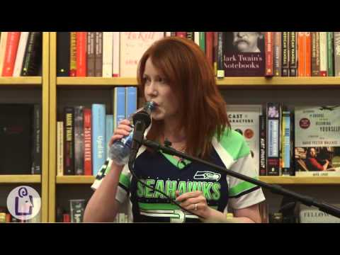 Richelle Mead introduces Soundless at University Book Store