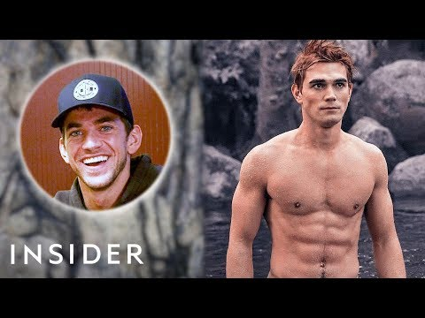 How This Celebrity Trainer Helped The Cast Of 'Riverdale' Get Ripped | Movies Insider