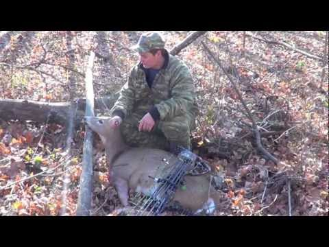 BEST ARCHERY KILL EVER, AWESOME BOW HUNT, BIG INDIANA DEER, SNYDER HIDER OUTDOORS!