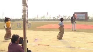 a m world school sports day girls i ii sack race