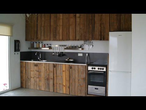 Como hacer una barra comedor con pallets doovi for Como hacer una cocina de madera