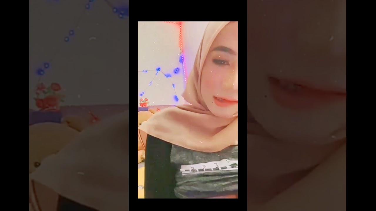 Download hijab ellysya super cute and mantap nampak 🍑 Subscribe ya kawan