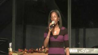 Roxanne singing Never Give Up (Yolanda Adams cover)