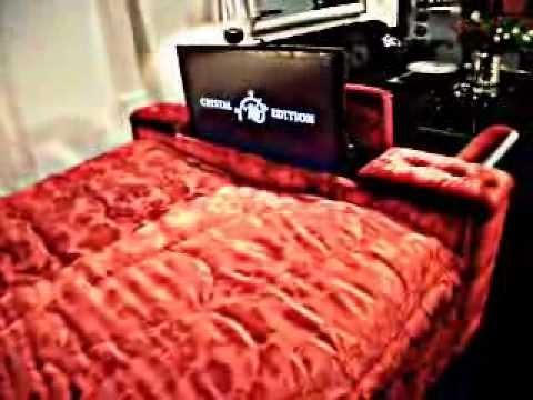 Rotes Bett mit TV: Schlafzimmer Betten auf der koeln messe Imm 2011 ...