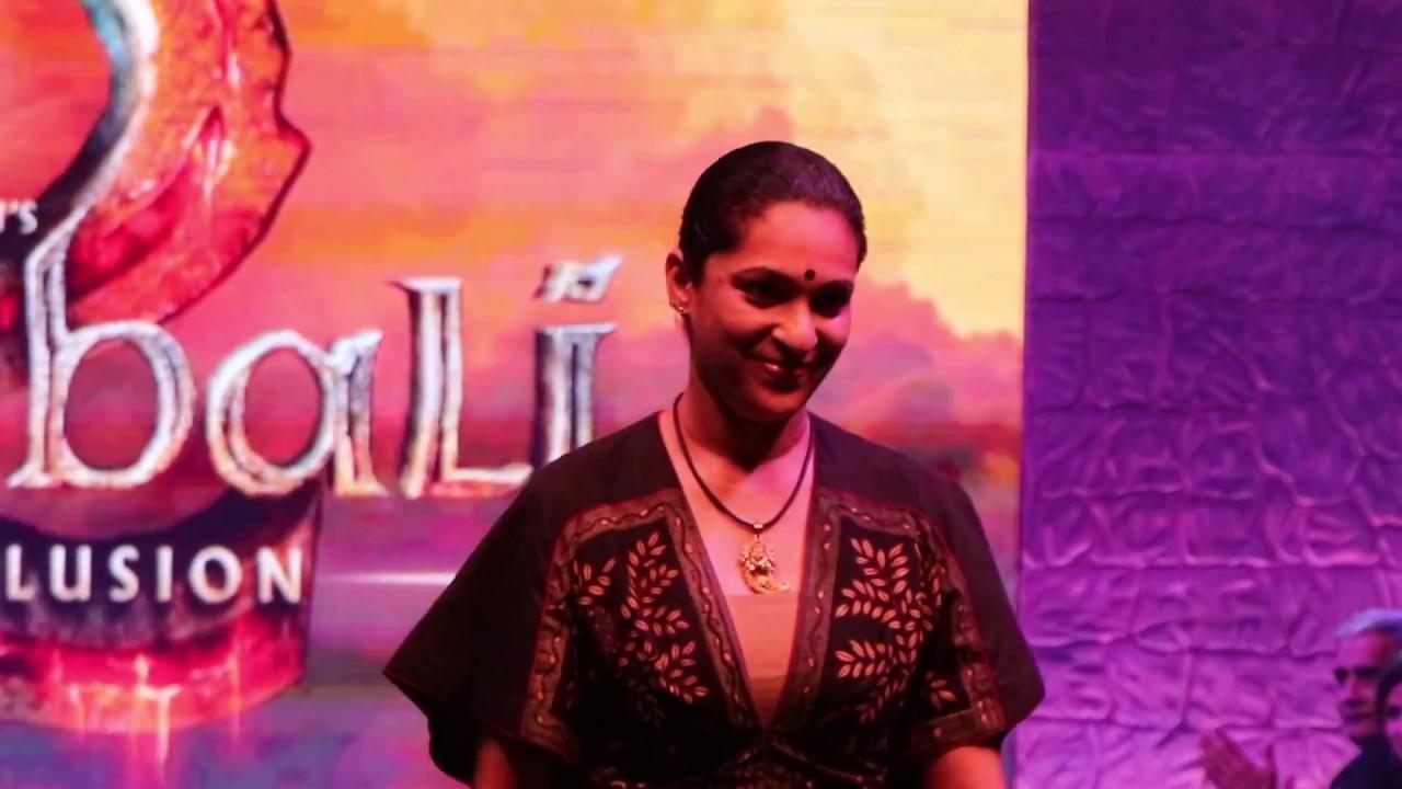 Bahubali 2 Costume Designer Ramp Walk Prashanti Tipirneni Bollywood Lineup Youtube