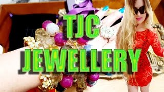 This video is about the gorgeous jewellery I bought from The Jewell...