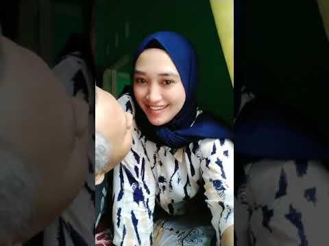 Viral cewek hijab disosor om uban