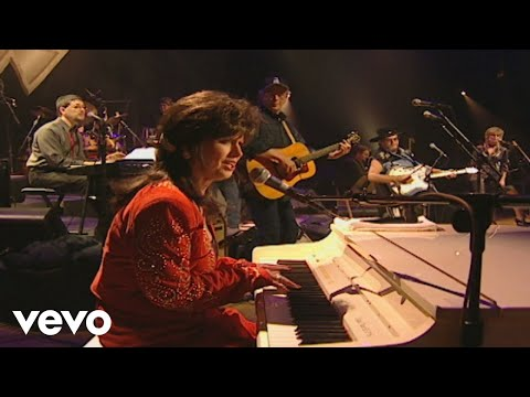 Jessi Colter Introduction / Love's the Only Chain (Never Say Die: The Final Concert Fil... Mp3
