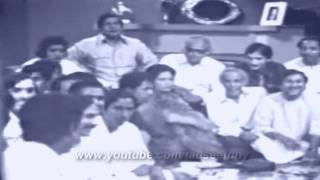 Ustad Salamat Ali Khan sings  Multani Kafi ( Nikhar PTV Live) - sanwal moR muharan