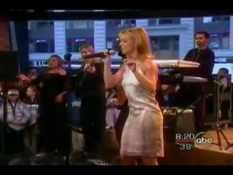 Britney Spears - From The Bottom of My Broken Heart ( Live on GMA 1999 ) ( live Vocals ) HQ