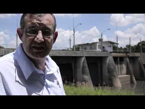 Paulo Ponti da EMAE explica o processo de reversão do Rio Pinheiros