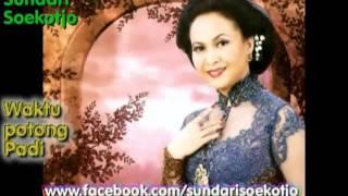 Kr  Waktu Potong Padi   Sundari Soekotjo