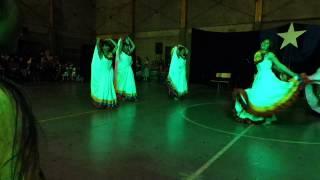 Auténtica Cumbia Colombiana / Danza de la India   4to E - Liceo 1 Javiera Carrera