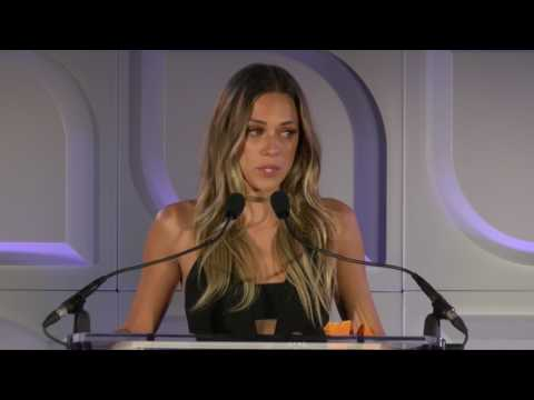 Jana Kramer 's Tearful Speech at Safe Horizon's 22nd Annual Champion Awards