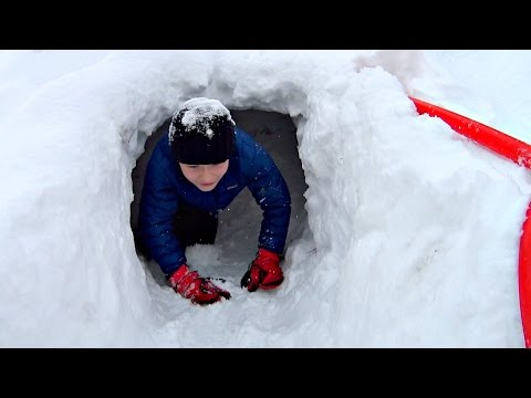 AMAZING IGLOO FORT IN SNOW!!