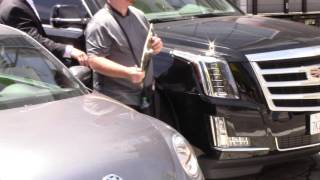 Autograph Hound tried to get Mariah Carey autograph in traffic on Hollywood Blvd