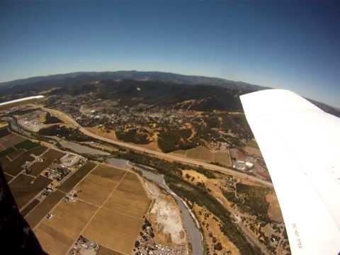 Чувак из самолёта уронил камеру и... Camera falls from airplane and lands in pig pen...