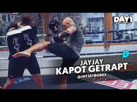 JayJay krijgt klappen van WFL-vechter Serkan Ozcaglayan || #DAY1 Afl. #46